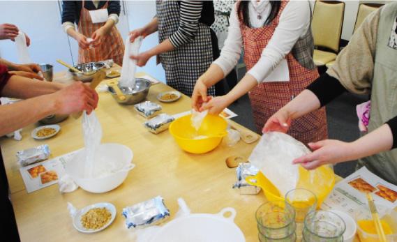 料理教室で婚活するイメージ画像
